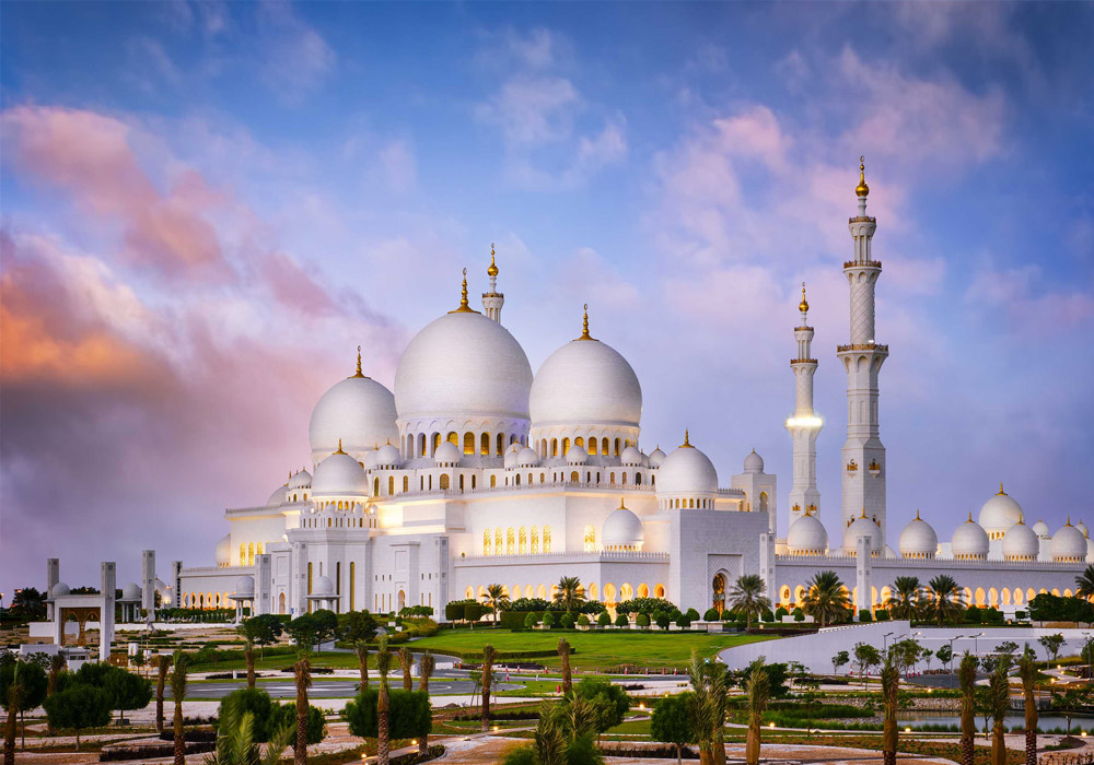 Visit the largest Mosque in the country, The Sheikh Zayed Grand Mosque located in Abu Dhabi