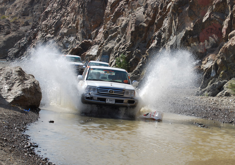 Drive through thrilling and scenic routes of Hatta.
