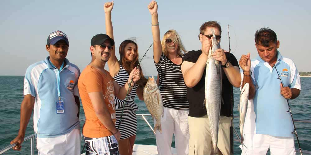 33 Feet Sports Fishing Boat Trip Dubai