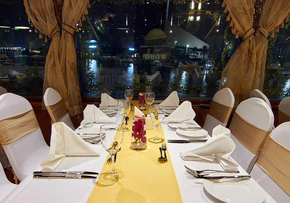 seating arrangement in dhow cruise